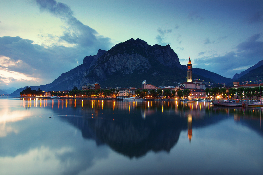 Lecco_town_after_sunset_Lombardy_Italy